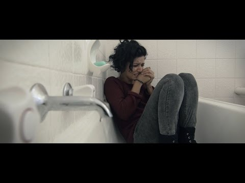 Bruise – Short Film by Nima Raoofi